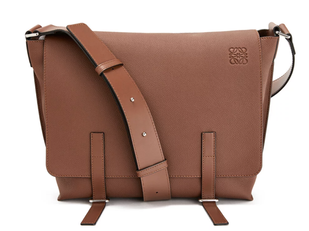 LOEWE(ロエベ)のMilitary Messenger Bag Cognac